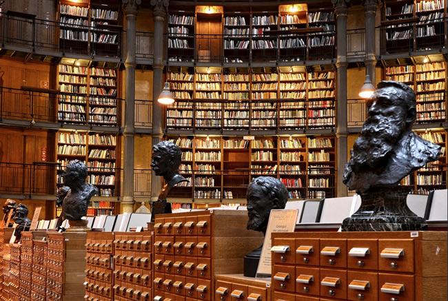 2. Đại học Bibliothèque Nationale, Paris, Pháp