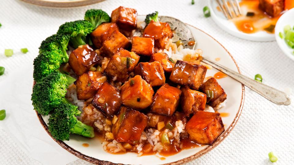 Ăn chay ngày rằm với đậu phụ sốt chua cay cực hao cơm đơn giản dễ ...