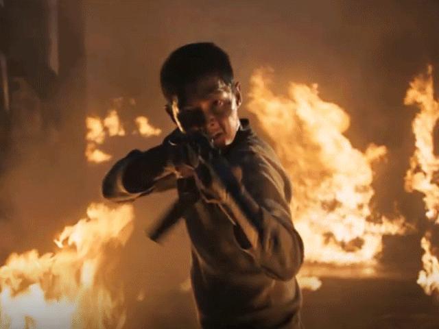 """""""Đảo địa ngục"""" của Song Joong Ki lập kỷ lục lịch sử phim Hàn"""