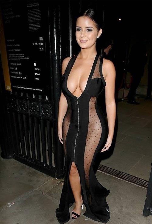 Thót tim vì váy như sắp đứt dây vì vòng 1 nặng trĩu của Demi Rose - 4