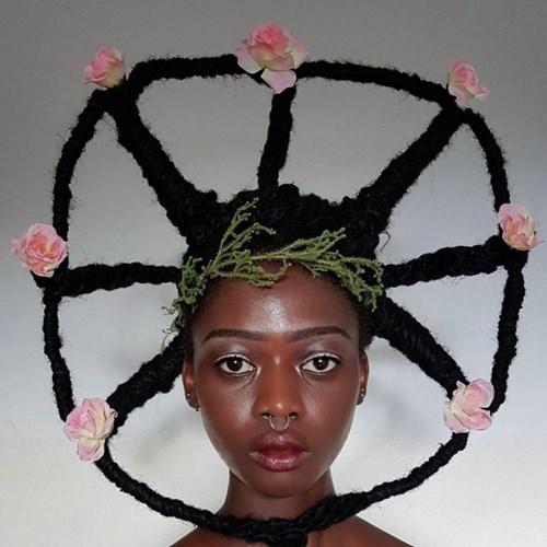 Giật mình trước mái tóc kỳ quái của người đẹp Châu Phi - 1