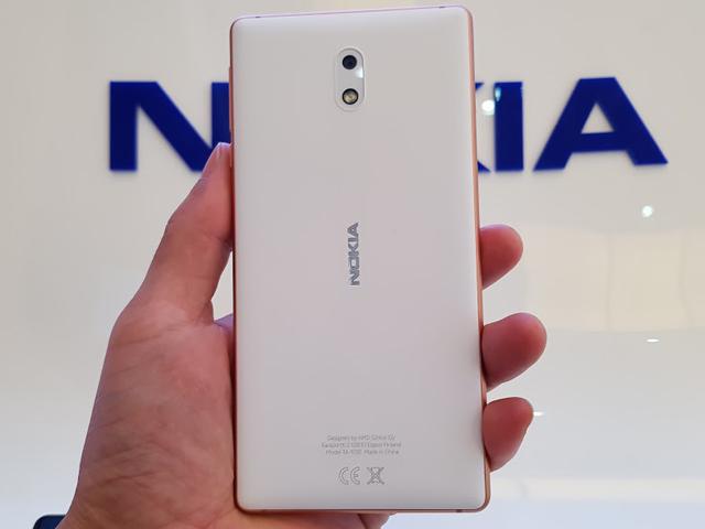 Trên tay Nokia 3 camera trước sau 8MP, giá 3 triệu đồng