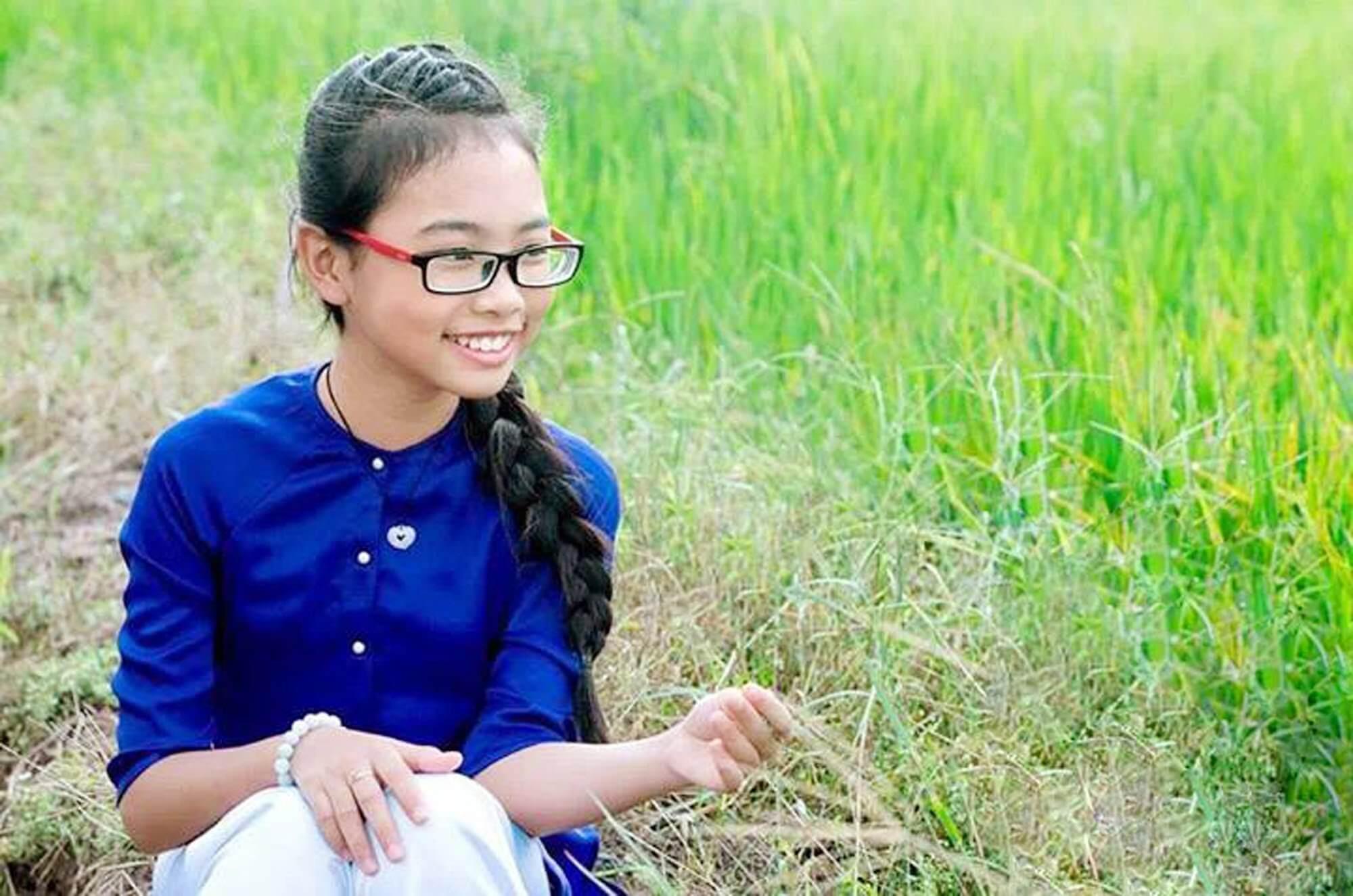 Phương Mỹ Chi, Thiện Nhân cùng 14 tuổi: Kẻ bị chê chín ép, người được khen - 1