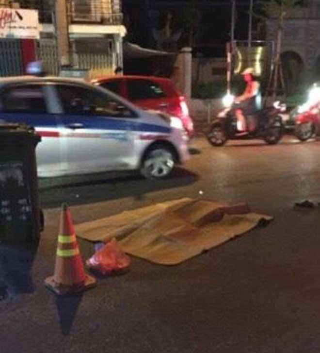 HN: Bà cụ bị xe chở rác cán tử vong khi băng qua đường - 1