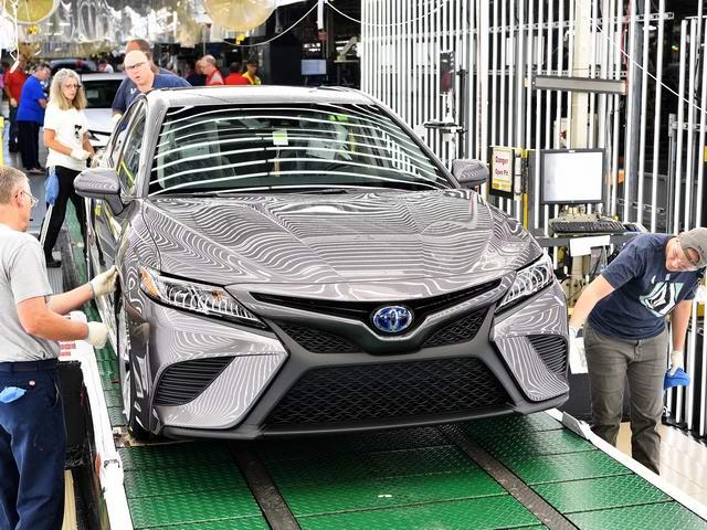 Toyota Camry 2018 bắt đầu được sản xuất - 1