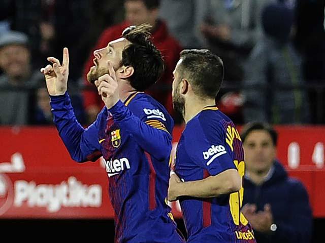 Barca ngược dòng như MU của Ferguson, Messi siêu nhân kiếm 22 điểm
