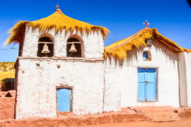 Thị trấn San Pedro de Atacama, Chile: Thị trấn hẻo lánh nằm giữa sa mạc Atacama, nơi khô nóng nhất thế giới. Nơi đây được coi là địa điểm dừng chân ưa thích của du khách trong hành trình vượt qua cánh đồng muối Salar de Uyuni ở Bolivia.