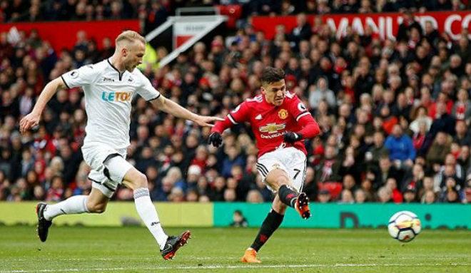 MU đại thắng, Sanchez hay nhất trận: Mourinho ngợi ca, triệu fan phấn khích - 1