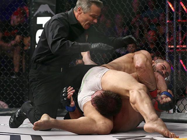 Võ sỹ bị ghét nhất MMA: Ăn 45 cú đấm chí mạng, 58 giây nhớ đời