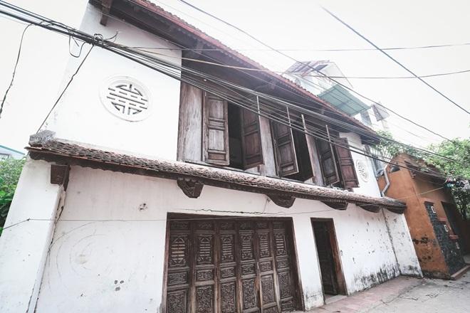 """Nhà kiểu cổ rộng 300m2 giữa lòng Hà Nội của đạo diễn """"Thương nhớ ở ai"""" - 1"""