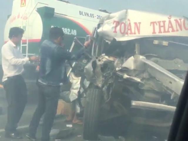 Khói mịt mù trên cao tốc Long Thành - Dầu Giây, nhiều xe gặp nạn