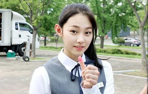 Nữ sinh trung học Hàn Quốc bị kỳ thị vì không trang điểm - 1