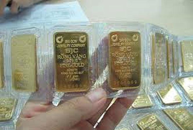 Giá vàng tăng mạnh do chiến tranh thương mại Mỹ - Trung - 1