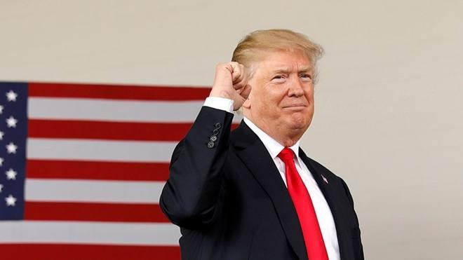 """Ông Trump bất ngờ """"vượt mặt"""" cựu Tổng thống Obama - 1"""