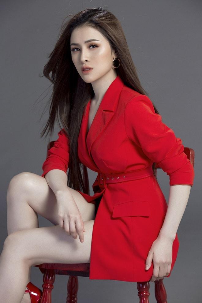 Á quân Người mẫu thời trang Việt phát ốm vì chuẩn bị cho Miss Eco 2018 - 1