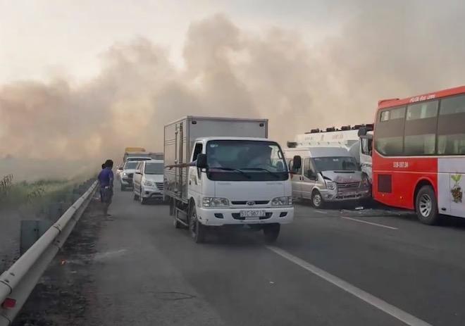 Vụ khói mịt mù trên cao tốc: Camera giám sát cách vị trí tai nạn hơn 3km - 1