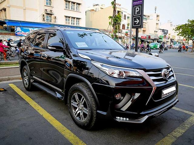 Toyota Fortuner máy dầu 2017 chạy được 4000km giá 1,2 tỷ đồng