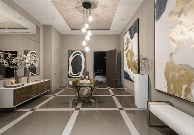 Chủ nhân còn được hưởng các tiện ích như phòng xông hơi, phòng tập yoga và bể bơi.