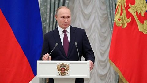 """Tổng thống Nga Putin bất ngờ """"trảm"""" 11 tướng - 1"""