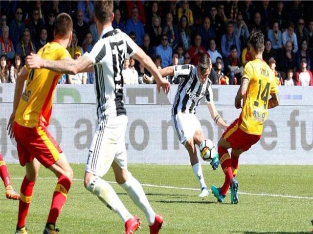 Video, kết quả bóng đá Benevento - Juventus: 2 siêu phẩm kèo trái và 2 phạt đền