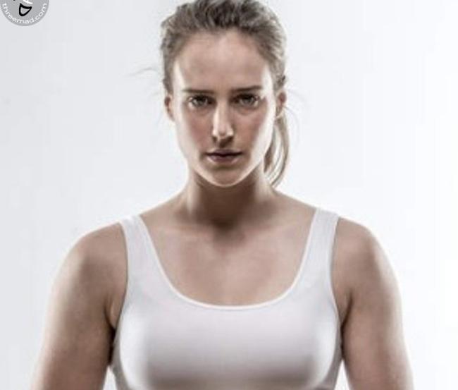 Ellyse Alexandra Perry (tên đầy đủ), 27 tuổi là một vận động viên thể thao đặc biệt của Australia. Cô lần đầu tiên tham dự giải bóng chày Australia và đội bóng đá nữ quốc gia vào năm 16 tuổi.