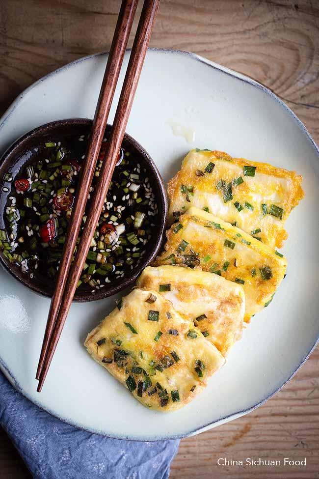 Thổi bay nồi cơm với món đậu phụ chiên trứng vừa giòn vừa mềm mịn - 1