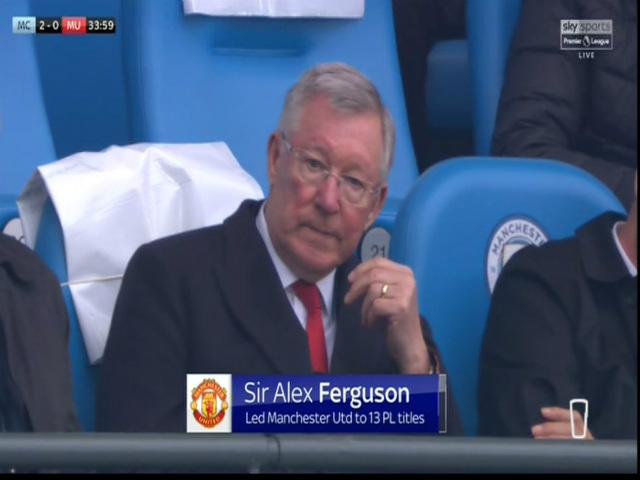 """MU ngược dòng derby: Mourinho quyết """"giải đề thi"""" của Sir Alex"""