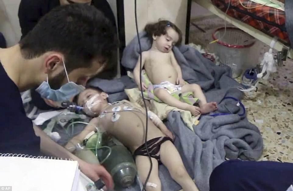 """Mỹ cảnh báo Nga  """"trả giá đắt"""" vì tấn công hóa học ở Syria - 1"""
