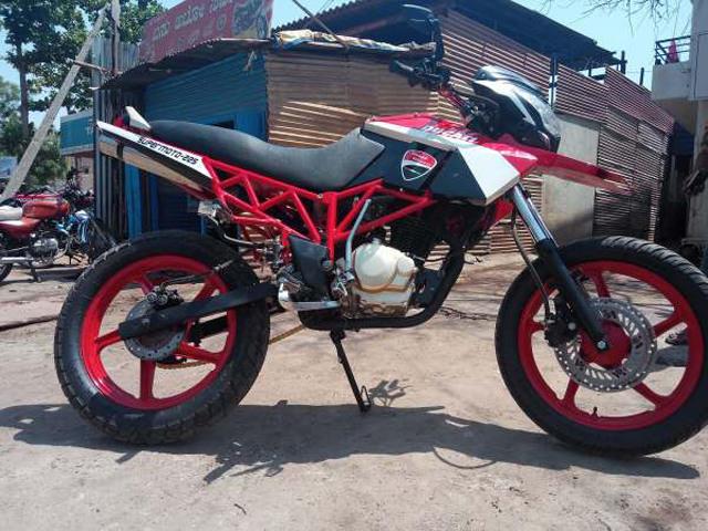 """Hero MotoCorp Karizma """"vượt vũ môn hóa rồng"""" thành Ducati cực đẹp"""