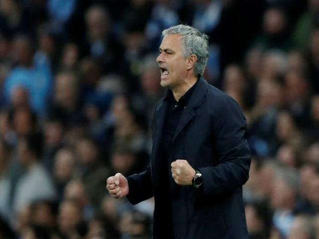"""Mourinho phục hưng MU: 5 chuyên gia vạch đường, dẫn lối """"Quỷ đỏ"""""""