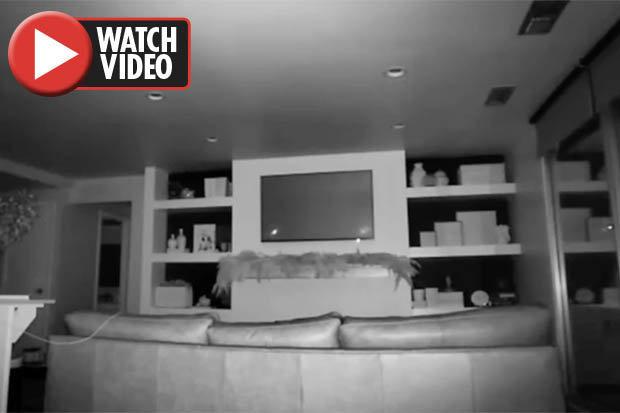 Đặt camera trong phòng, phát hiện điều đáng sợ giữa đêm - 1