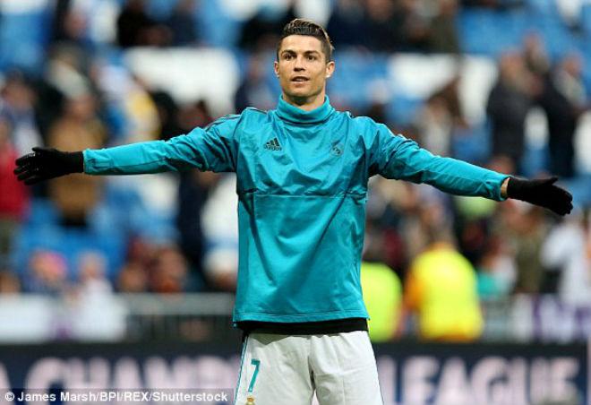 """Ronaldo """"thánh vấp cỏ"""" hóa người hùng 11m, Real thoát hiểm trước Juventus - 1"""