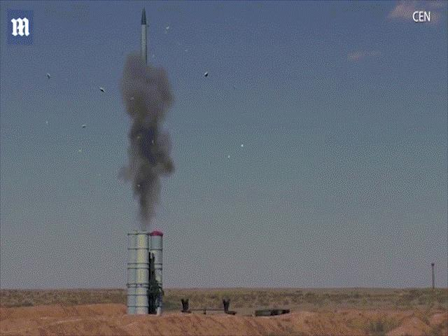 Căng thẳng Nga-Mỹ: S-400 Nga tại Syria đủ sức bắn 80 máy bay cùng lúc