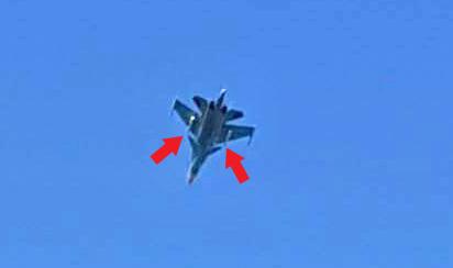 """Chiến đấu cơ Nga mang tên lửa """"dằn mặt"""" tàu Mỹ ngoài khơi Syria? - 1"""