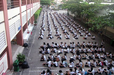 """Tp.HCM: """"Choáng"""" với lịch học của trường tư thục Nguyễn Khuyến - 1"""