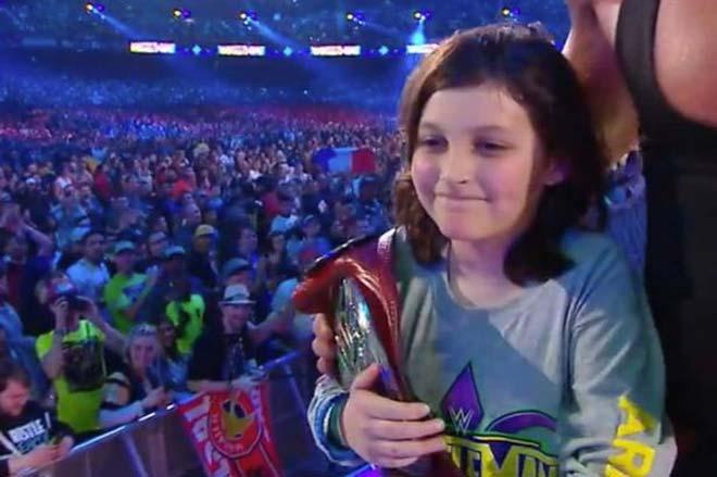 Chuyện lạ có thật: Bé trai 10 tuổi đoạt đai vô địch hạng nặng - 1