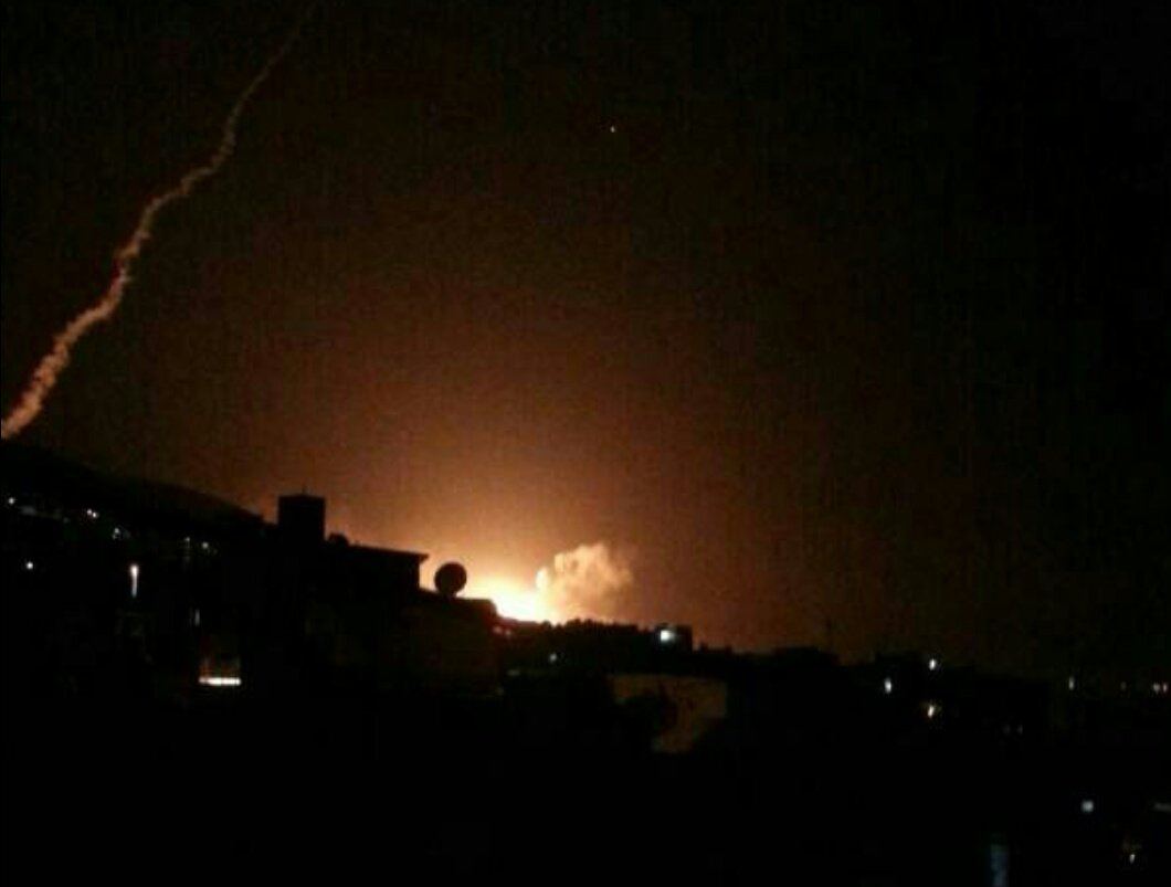 """Nổ lớn ở thủ đô Syria sau khi Trump ra lệnh """"dội bão lửa"""" - 1"""