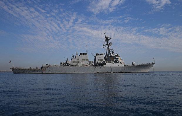 Đô đốc Nga dọa đánh chìm tàu khu trục Mỹ ngoài khơi Syria - 1