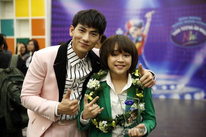 Thiên Khôi VN Idol Kids sành điệu, phổng phao sau gần 1 năm đăng quang - 1