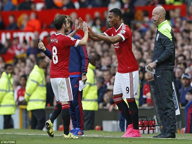 Nội bộ MU bất ổn: Herrera, Martial & cuộc tháo chạy ở Old Trafford