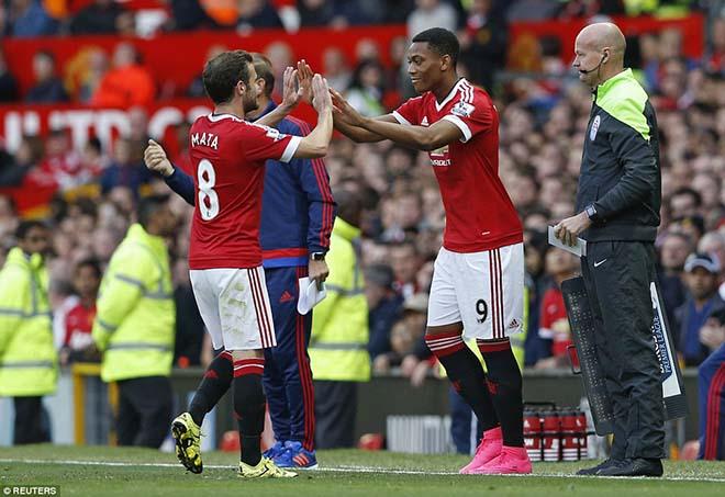 Nội bộ MU bất ổn: Herrera, Martial & cuộc tháo chạy ở Old Trafford - 1