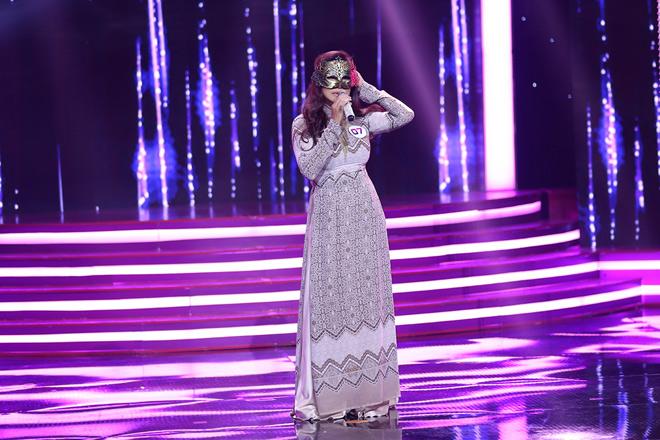 Ca sĩ chuyển giới Cindy Thái Tài vừa cất giọng hát, Vũ Hà đã bỏ chạy - 1