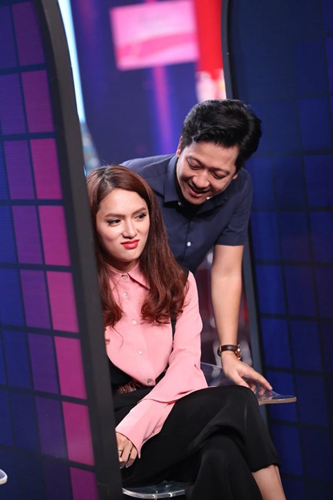 Cả hai từng xuất hiện cùng nhau trong nhiều game show truyền hình. Trường Giang hay chọc ghẹo Hương Giang.