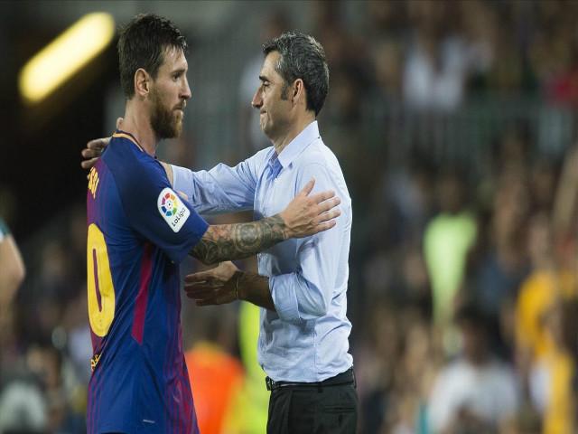 Sắp vô địch Liga, Messi vẫn nổi đóa với HLV: Lo Ronaldo đoạt Bóng vàng