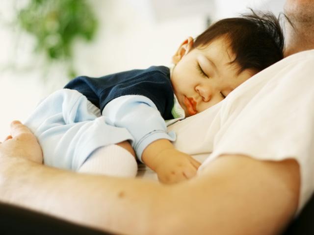 Mối quan hệ giữa giấc ngủ và sự phát triển của bé