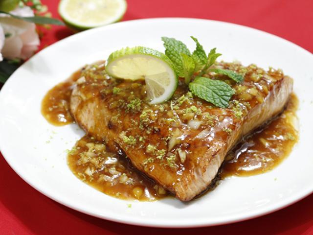 Thi thoảng ăn sang với cá hồi sốt bơ béo ngậy, thơm lừng