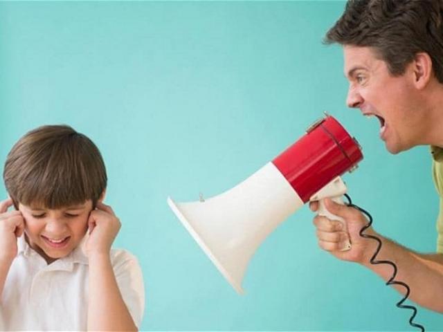 Những câu nói cha mẹ vô tình làm tổn thương con trẻ