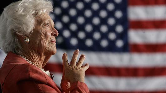 Sức khỏe cựu đệ nhất phu nhân Barbara Bush giảm sút - 1