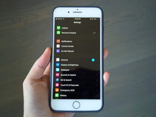 Sau tất cả iPhone 7 vẫn đáng đồng tiền bát gạo hơn iPhone X