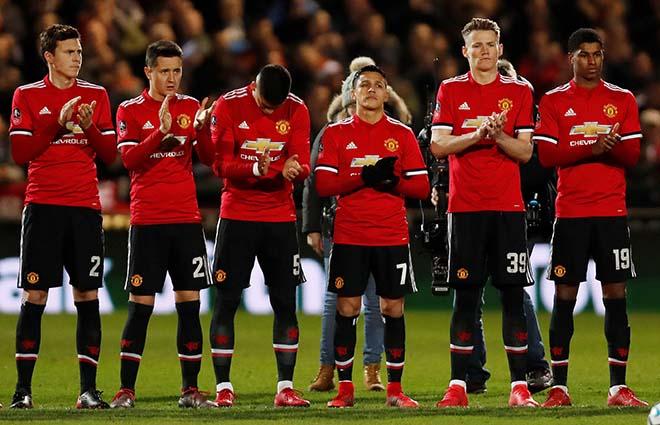 MU thảm họa vẫn cực đỉnh: Siêu đội hình 747 triệu euro, hơn đứt Real - Ronaldo - 1